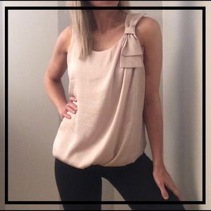 💥5 FOR $35💥 Gorgeous Soft Blush Pink Blouse